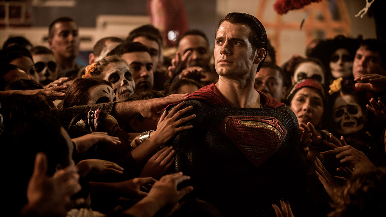 Batman v Superman: Dawn of Justice Still 8 - H 2016