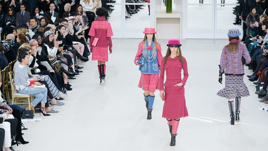 Chanel : Runway - Paris Fashion  GETTY -  H 2016