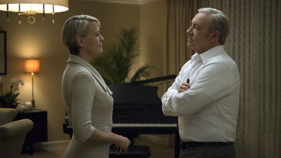 House of Cards still - Robin Wright and Kevin Spacey - H 2016