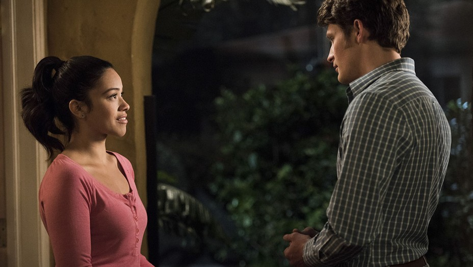 Jane The Virgin - Chapter Thirty-One -Gina Rodriguez and Brett Dier -H 2016