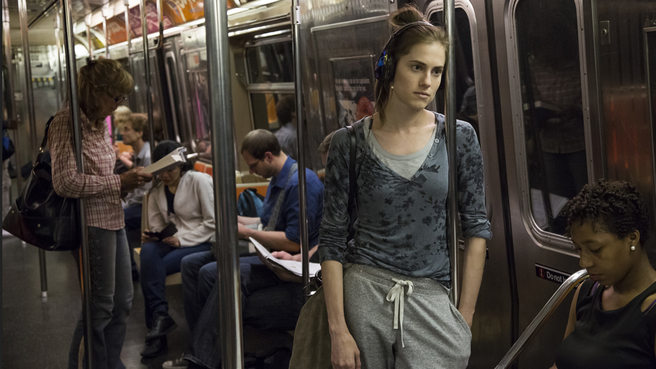 GIRLS still Allison Williams on subway - H 2016
