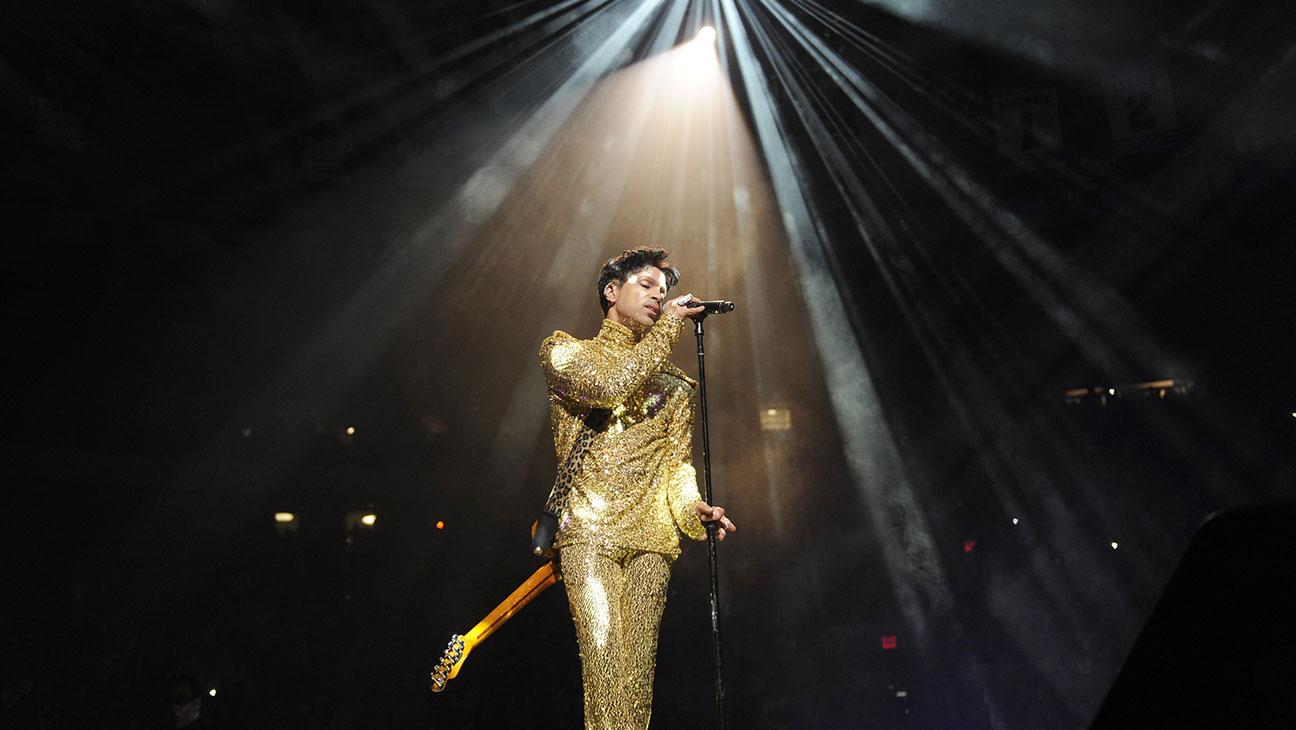 """Prince performs during his """"Welcome 2 America"""" tour at Madison Square Garden-H 2016"""