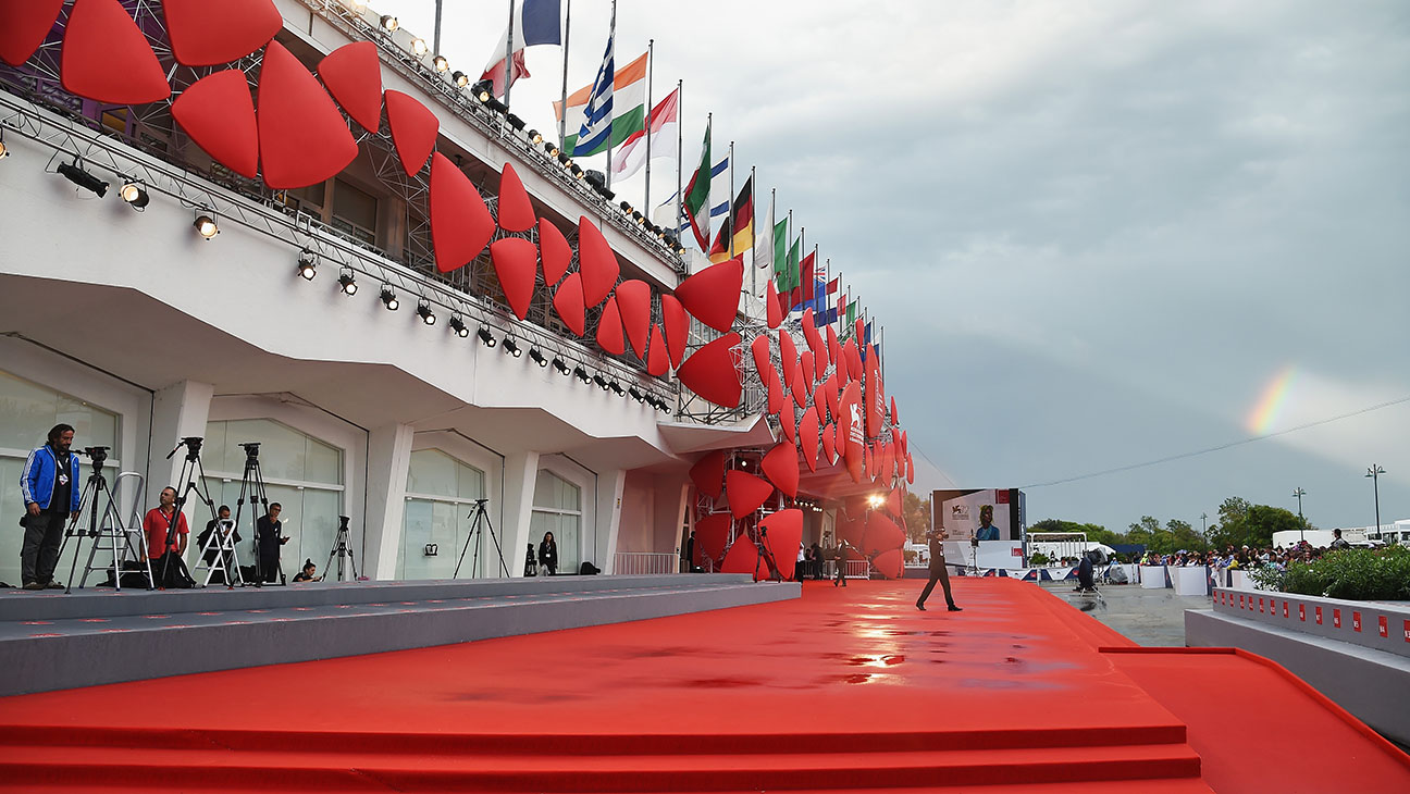 Venice Film Festival 2015 atmosphere 1 -general view of the red carpet -Getty-H 2016