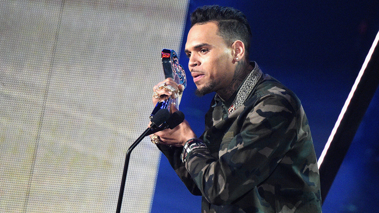 Chris Brown Award GETTY- P 2016