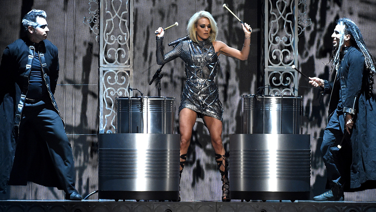 Carrie Underwood GETTY - H 2016