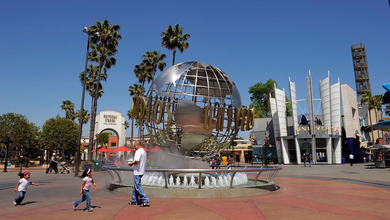 Universal Studios Entrance - H 2016