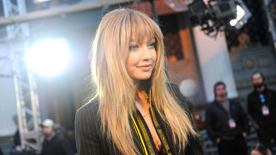 Gigi Hadid MTV Movie Awards - Getty - H 2016