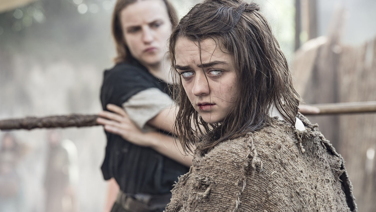 Game of Thrones - Faye Marsay, Maisie Williams - H 2016