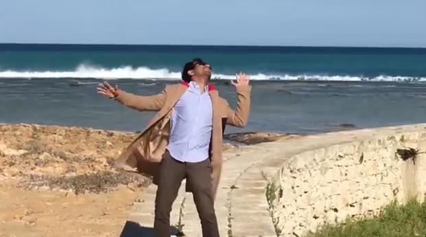 """Aziz Ansari """"Famous"""" Screengrab H 2016"""