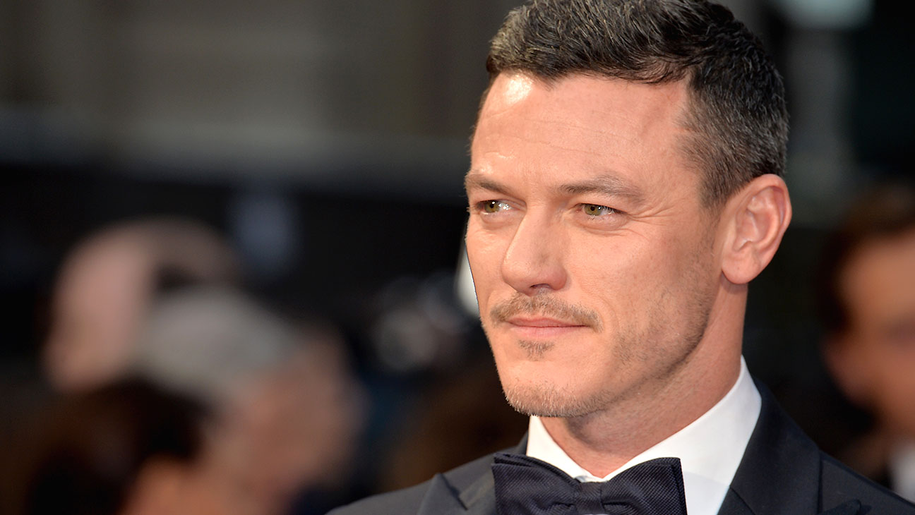 Luke Evans -The Olivier Awards -Getty-H 2016