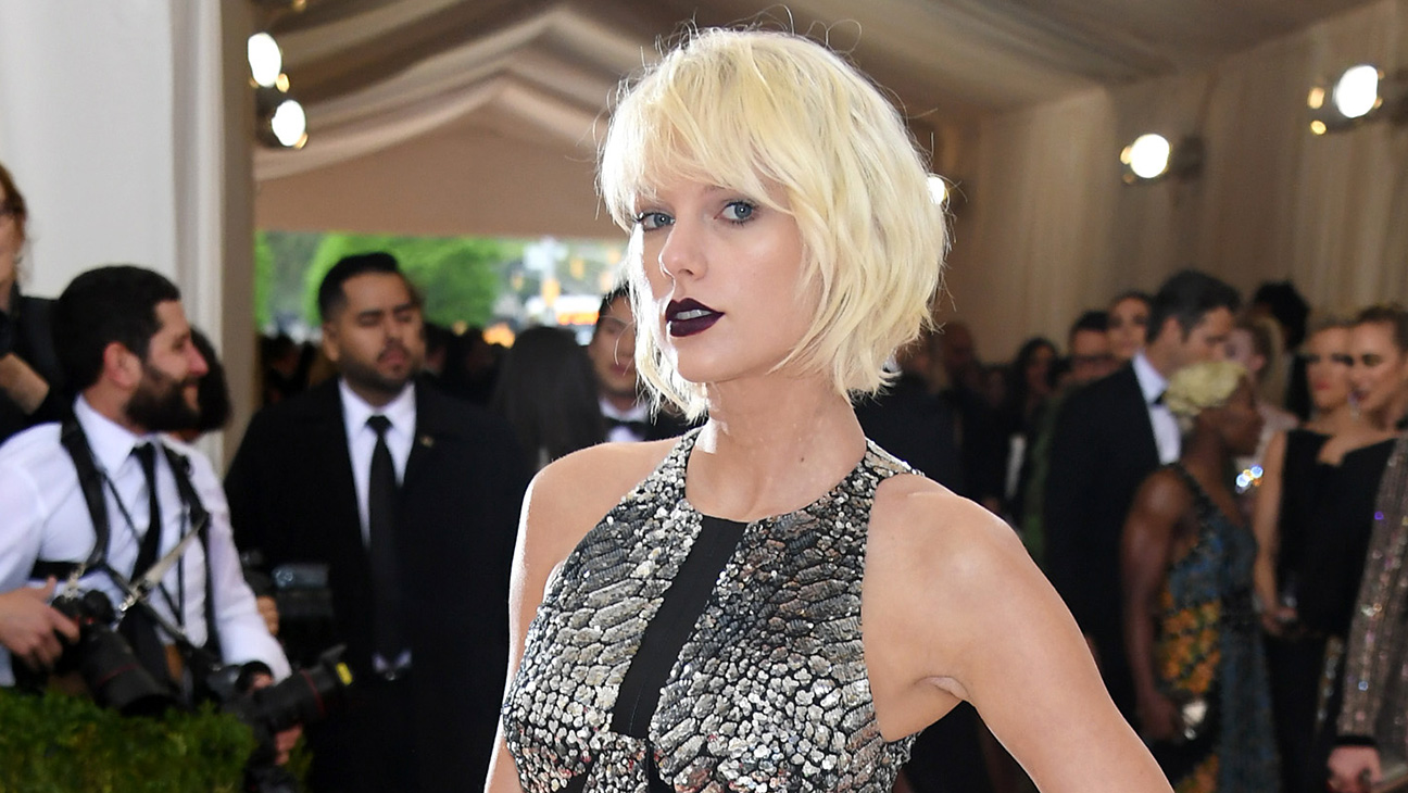 Taylor Swift Steps Out In Louis Vuitton For The 2016 Met Gala Red Carpet Hollywood Reporter