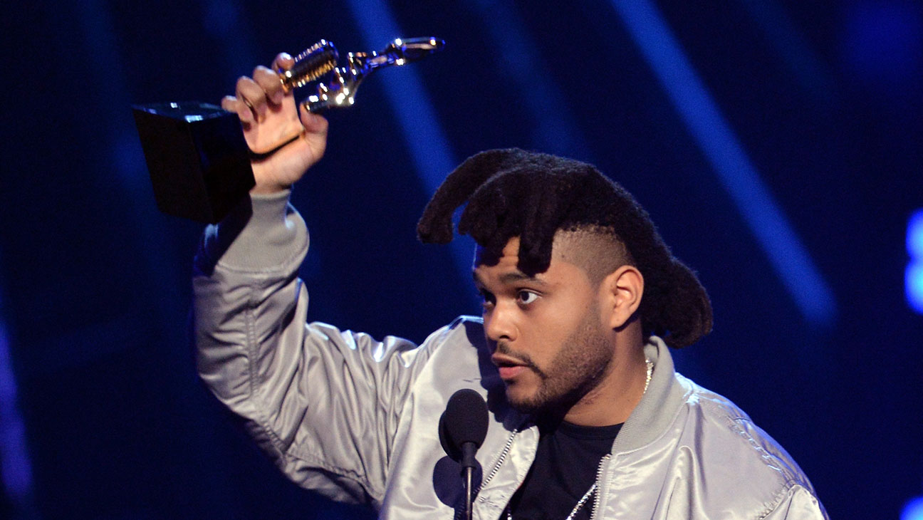 The Weeknd accepts Top Hot 100 Artist award onstage-2016 Billboard Music Awards 2-H 2016