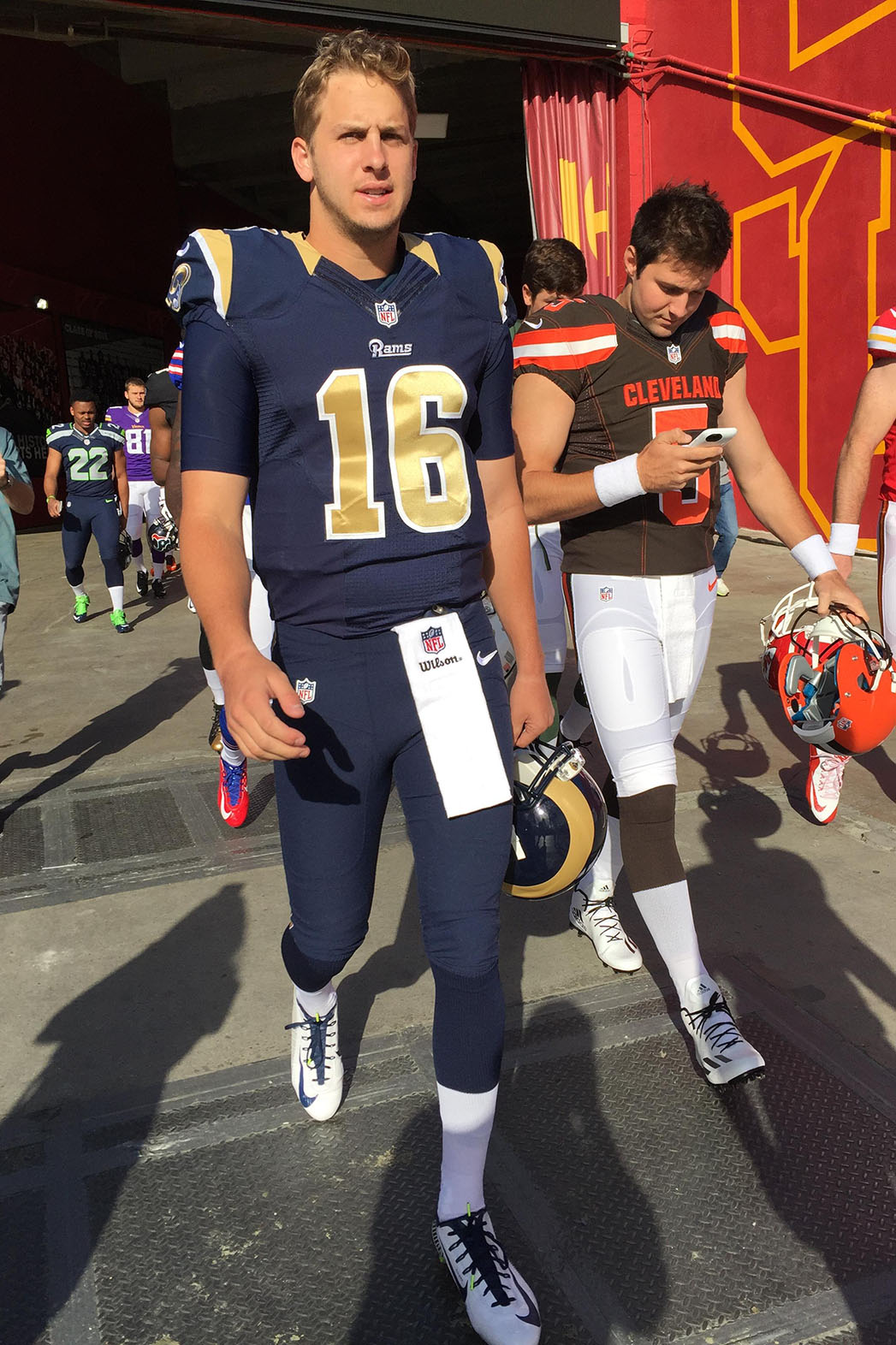 First Look At L A Rams Quarterback Jared Goff In Uniform Exclusive Hollywood Reporter