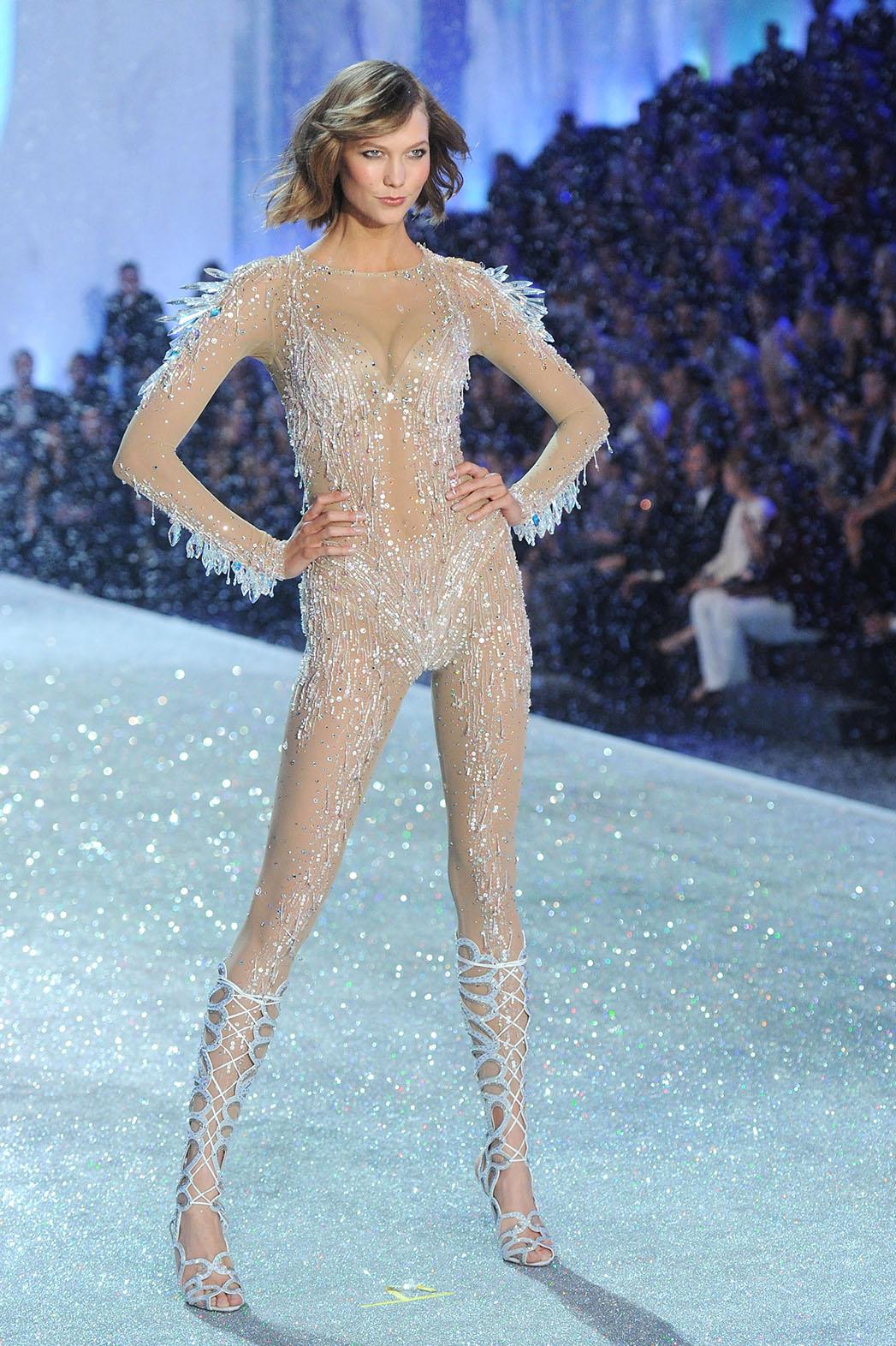 Karlie Kloss Victoria's Secret Fashion Show - Getty - P 2016