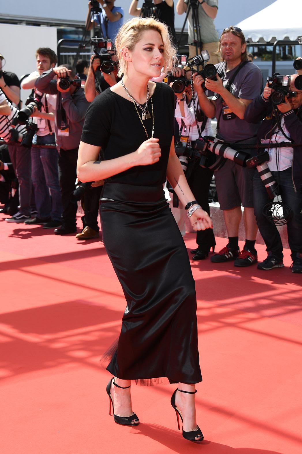 Kristen Stewart Dancing Cannes - Getty - P 2016