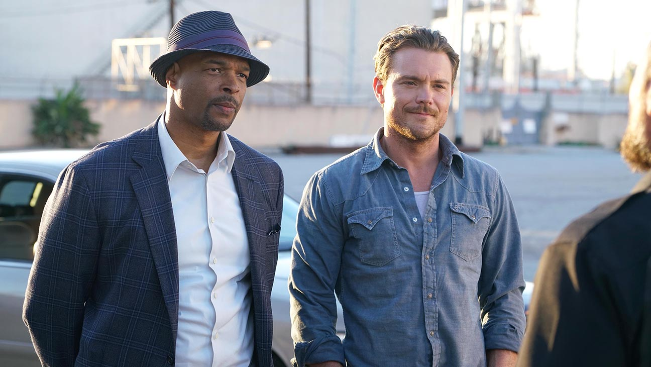 LETHAL WEAPON-FOX Still 1-Damon Wayans and Clayne Crawford-H 2016