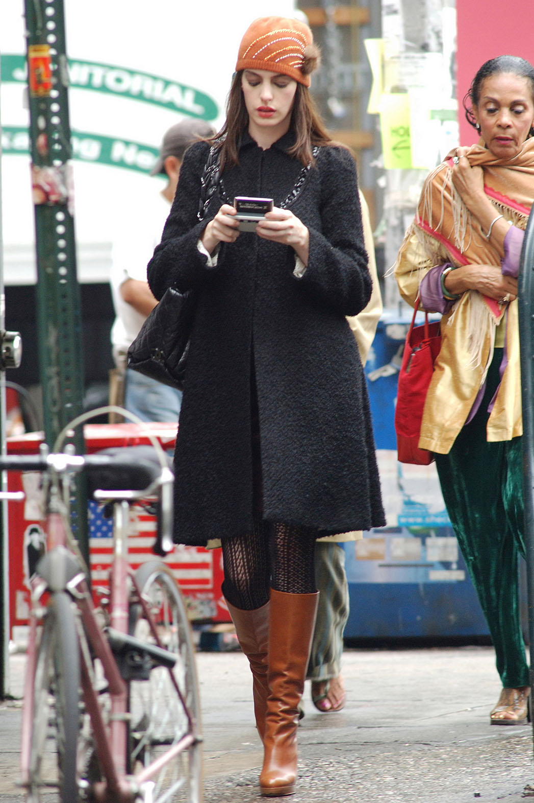 10 Memorable Anne Hathaway Outfits From The Devil Wears Prada Hollywood Reporter