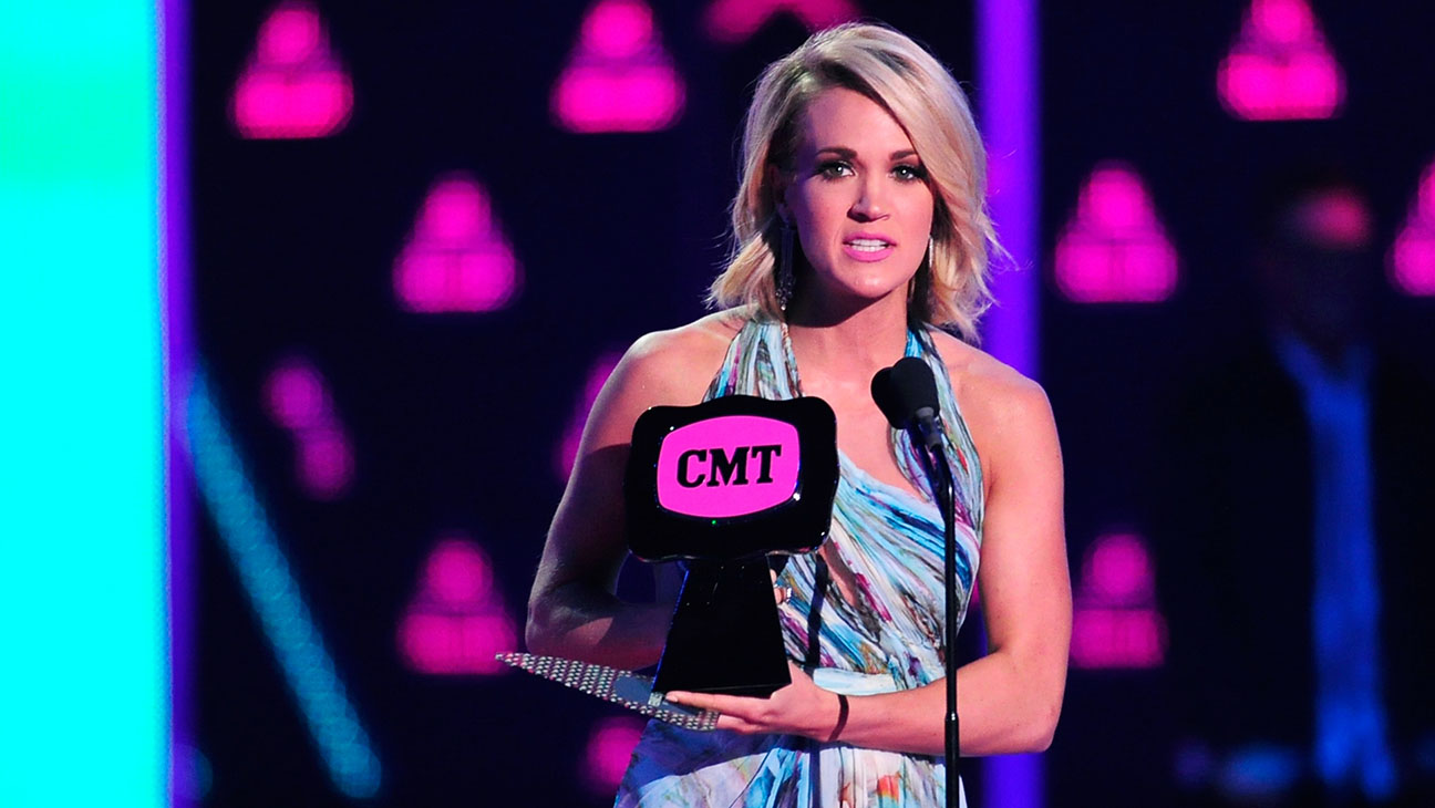 Carrie Underwood_CMT_Awards - Getty - H 2016