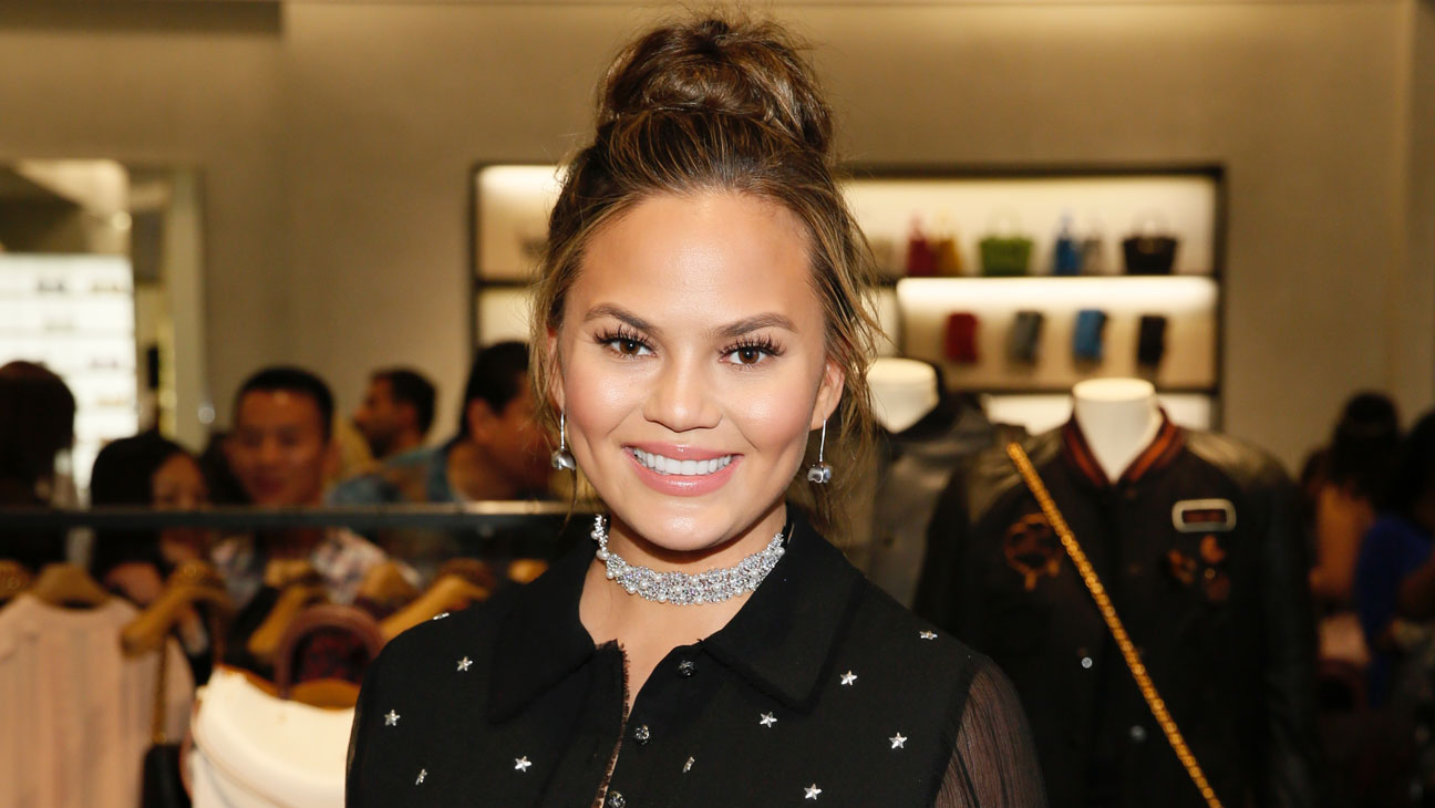 Chrissy Teigen - Getty - H 2016