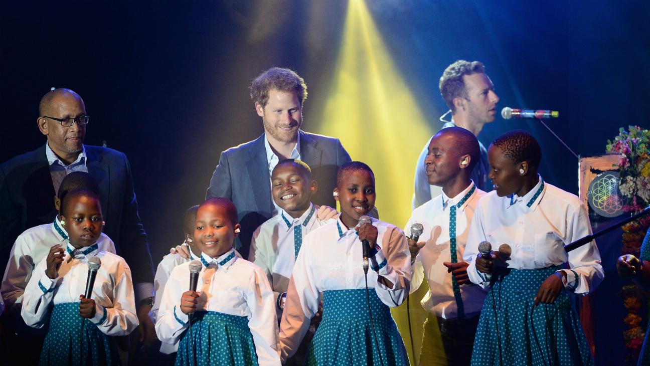 Prince Harry Sings with Coldplay - Getty - H 2016