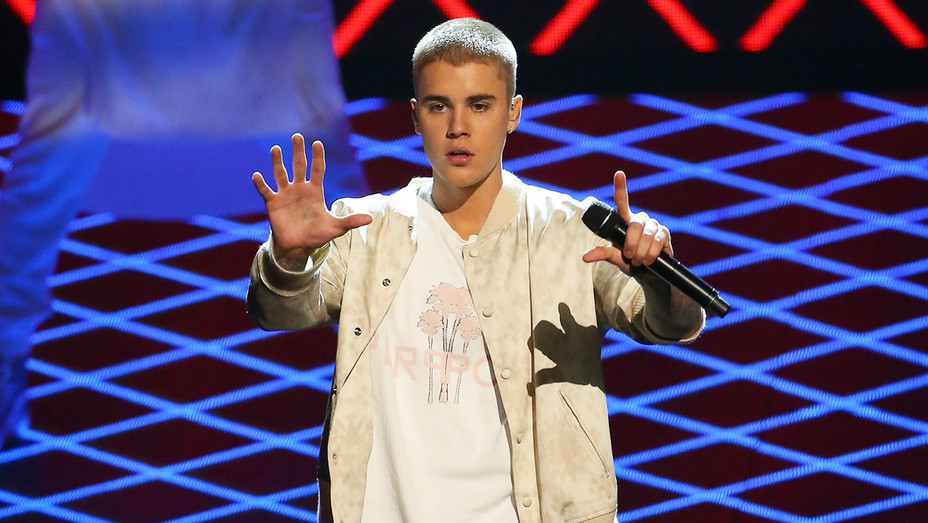Justin Bieber Performing Getty H 2016