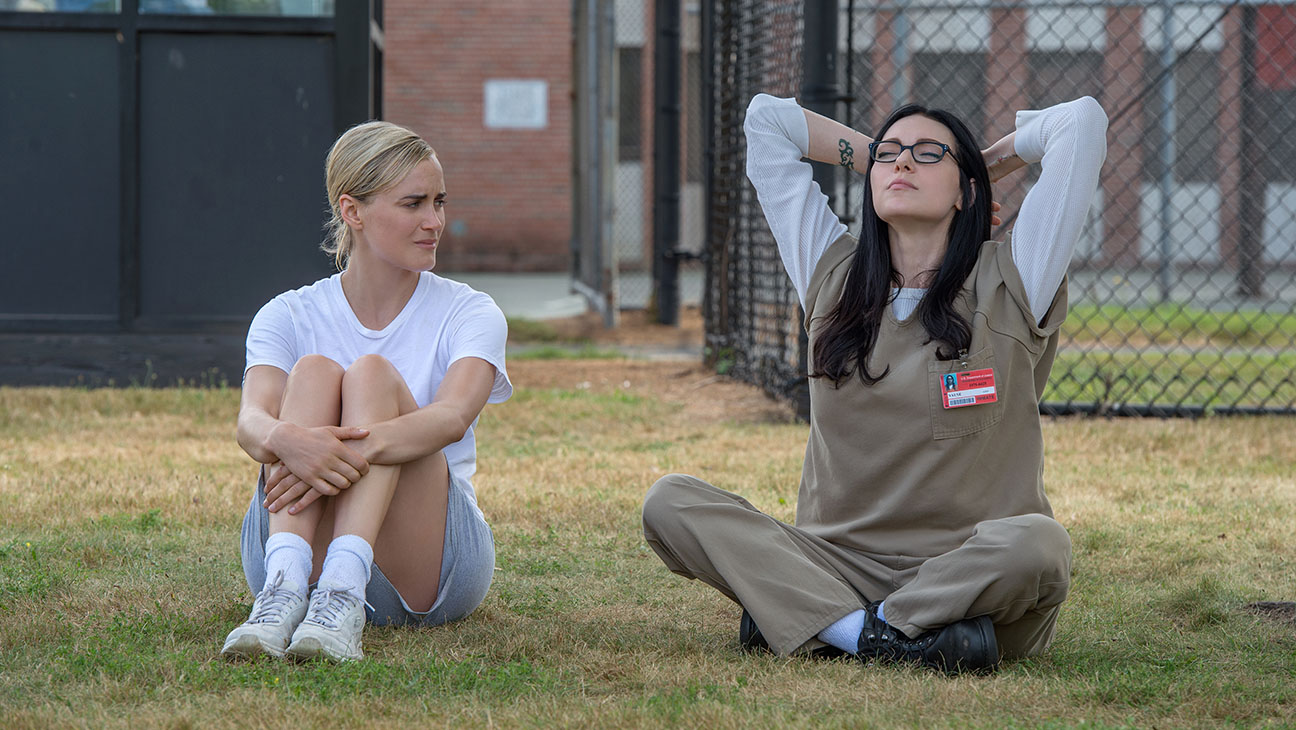 Orange Is The New Black Still Taylor Schilling Laura Prepon H 2016