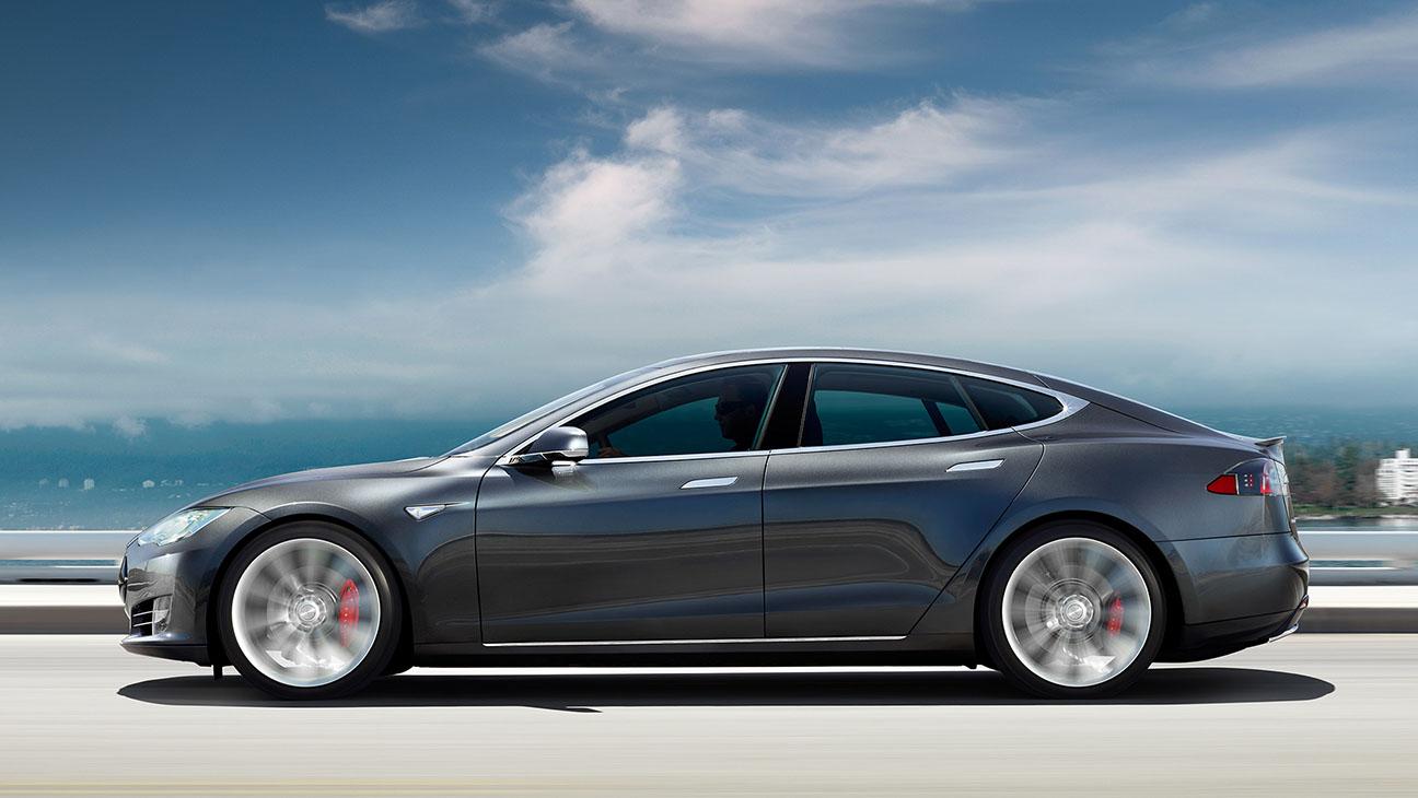 Tesla Model S - Publicity - H 2016