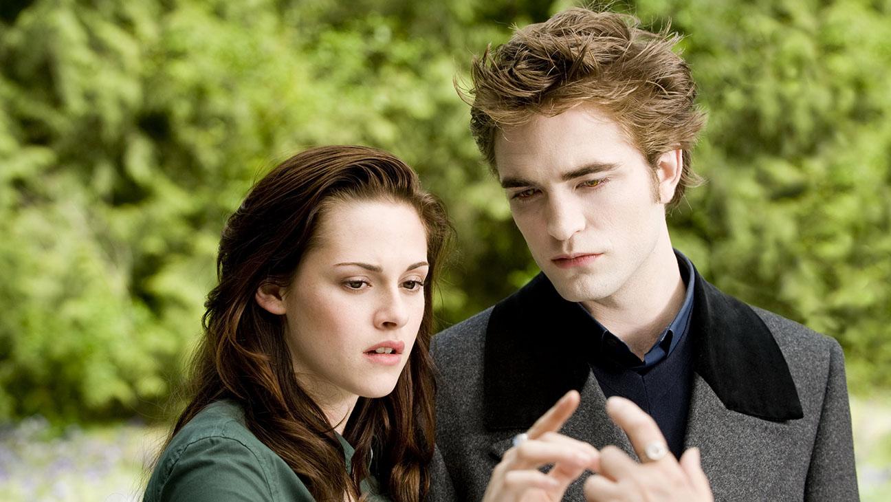 Twilight -Kristen Stewart and Rob Pattinson - Photofest-H 2016