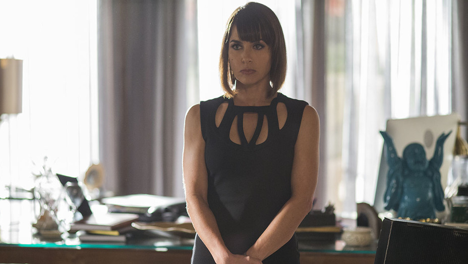 UnREAL Constance Zimmer H 2016