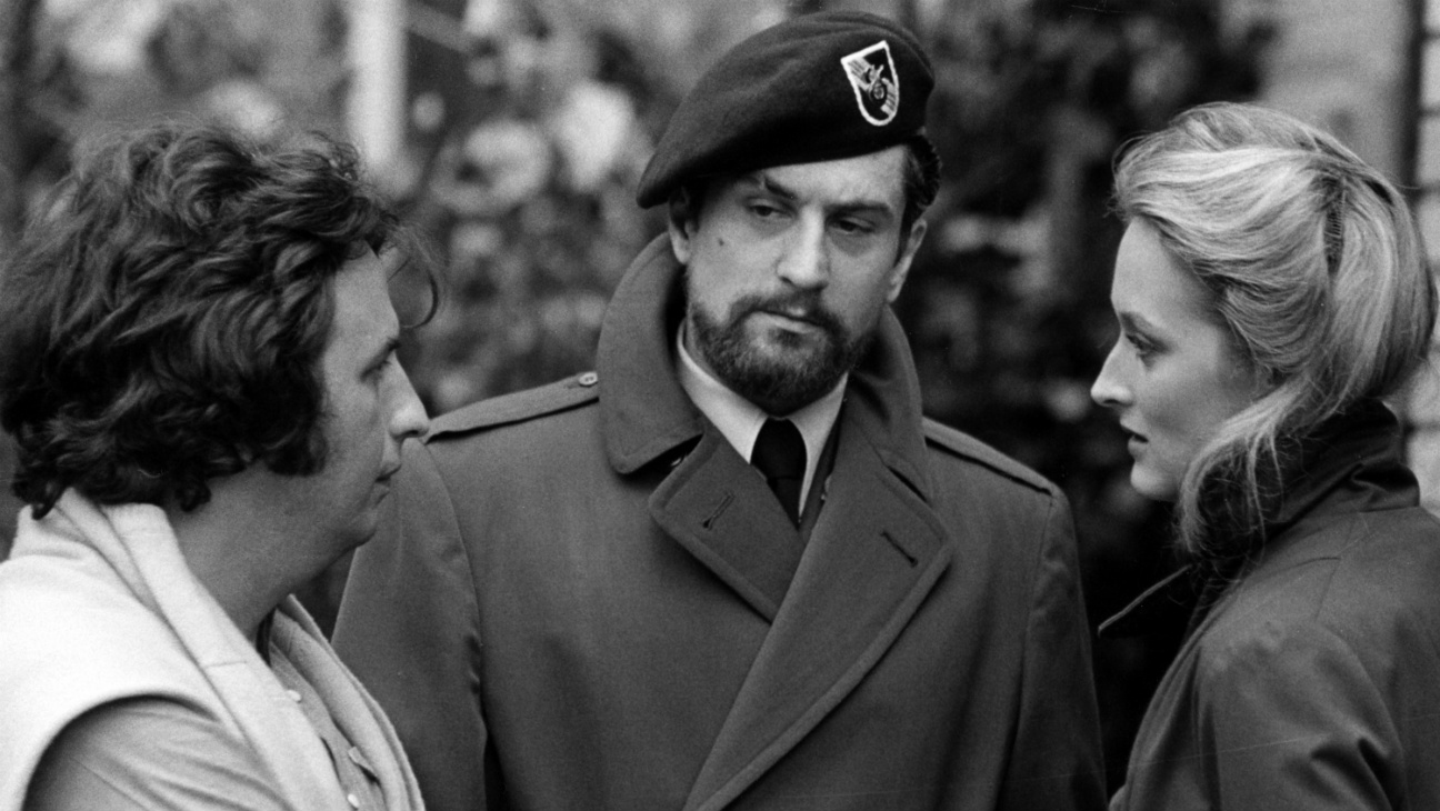 Michael Cimino, Robert De Niro, Meryl Streep on Deer Hunter set - Photofest - H 2016