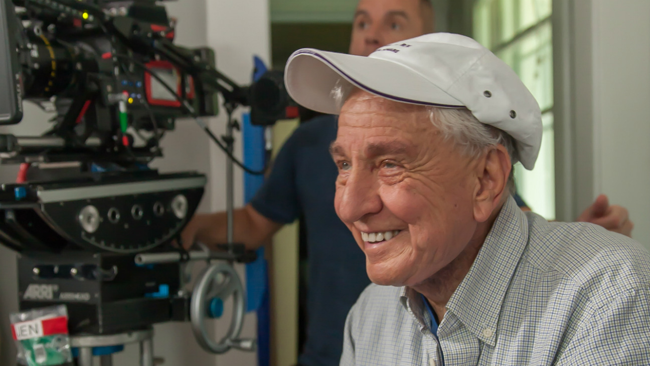 Garry Marshall on 'Mothers Day' set - Photofest - H 2016