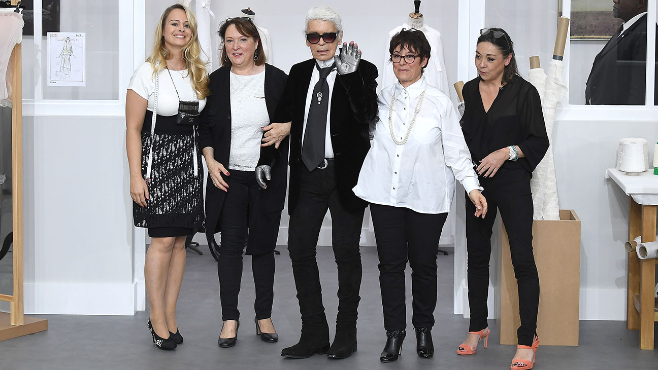Karl Lagerfeld poses with Chanel's seamstresses -Chanel -Fall/Winter 2016-2017-Getty-H 2016
