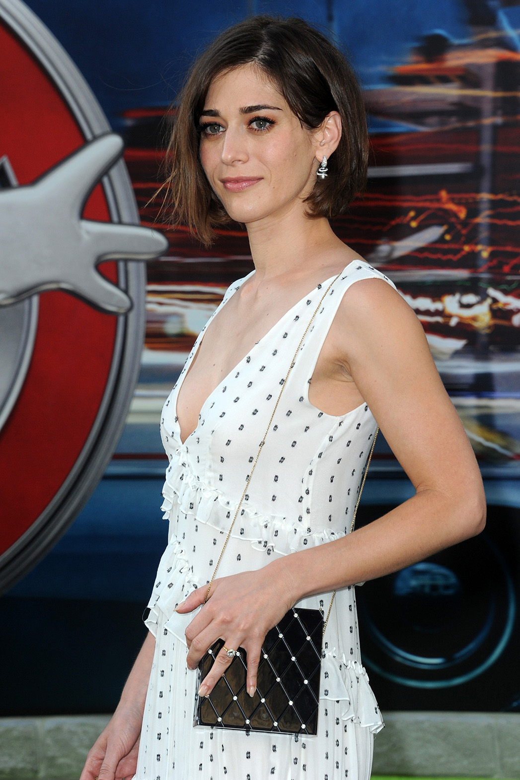 Lizzy Caplan Ghostbusters Getty - P 2016