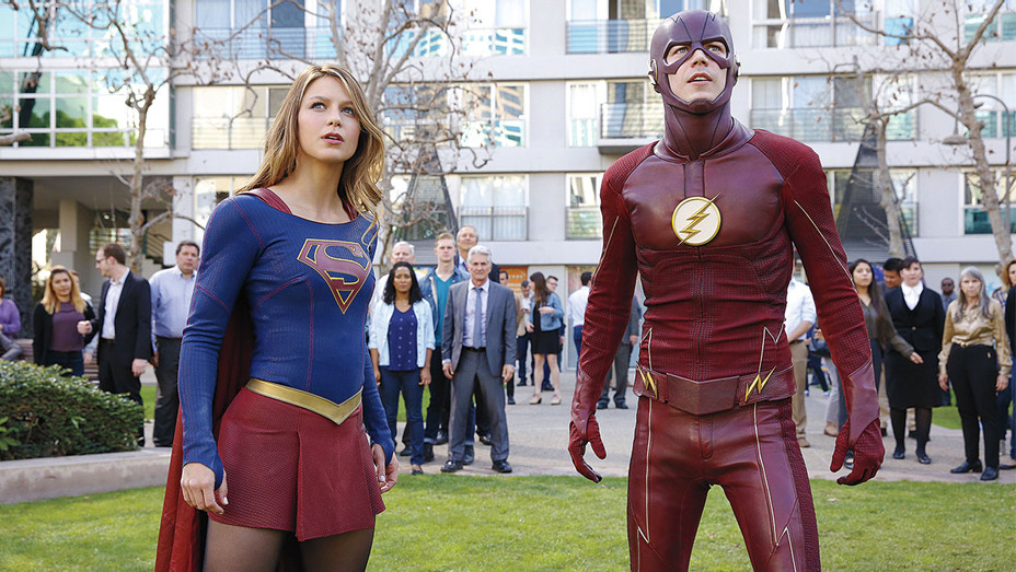 Supergirl and Flash-Publicity-H 2016