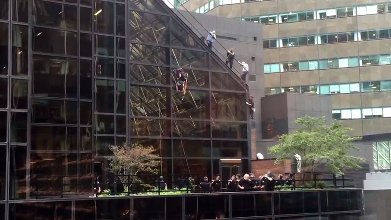 climbing the side of Trump Tower - H 2016