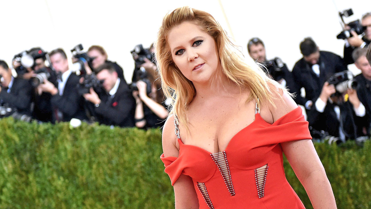 Amy Schumer-Manus x Machina Fashion In An Age Of Technology-Getty-H 2016
