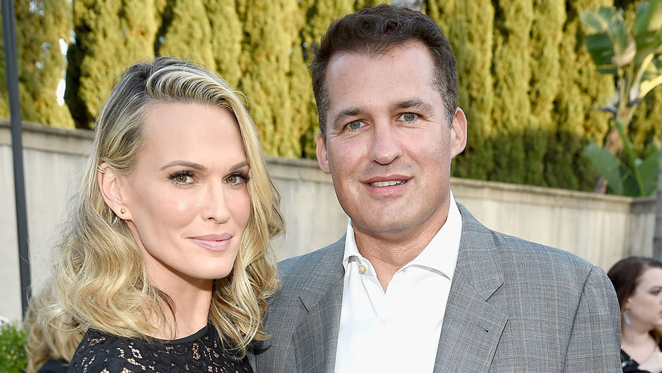 Molly Sims and film Scott Stuber -Getty- H 2016