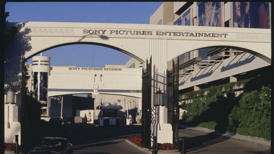 Sony Studio Lot Gate Culver City - Getty - H 2016