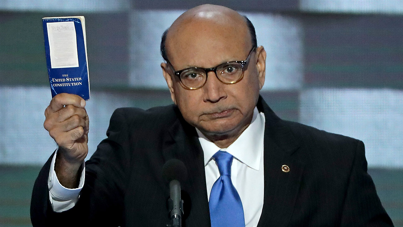 Khizr Khan- holds up a booklet of the US Constitution-Getty-H 2016