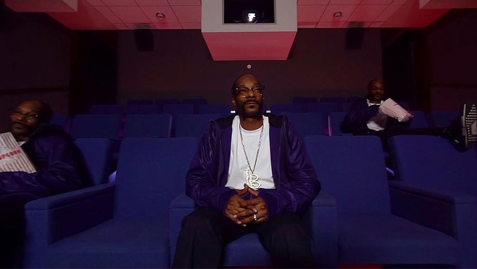 GGN Larry King & Snoop Dogg AKA Lion in SnoopaVision Screen shot-H 2016