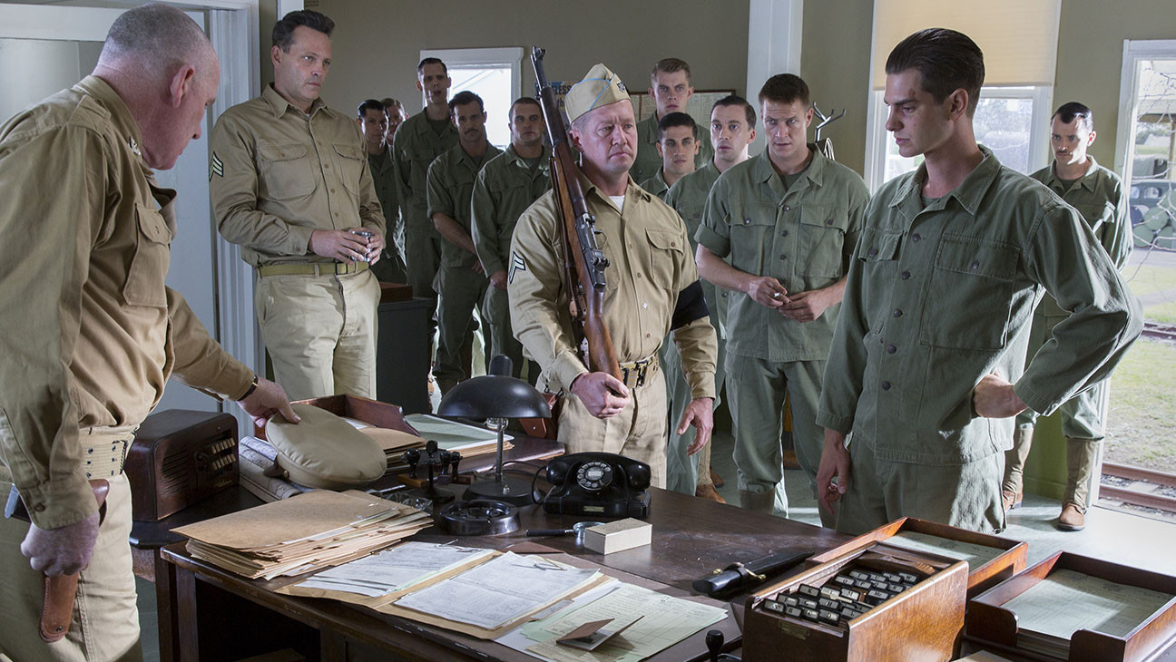 Australian Academy Awards Mel Gibson S Hacksaw Ridge Leads With 13 Nominations Hollywood Reporter