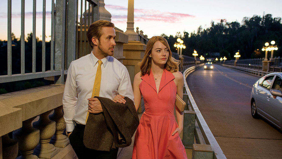 La La Land -Still 1- Gosling and Stone-H 2016