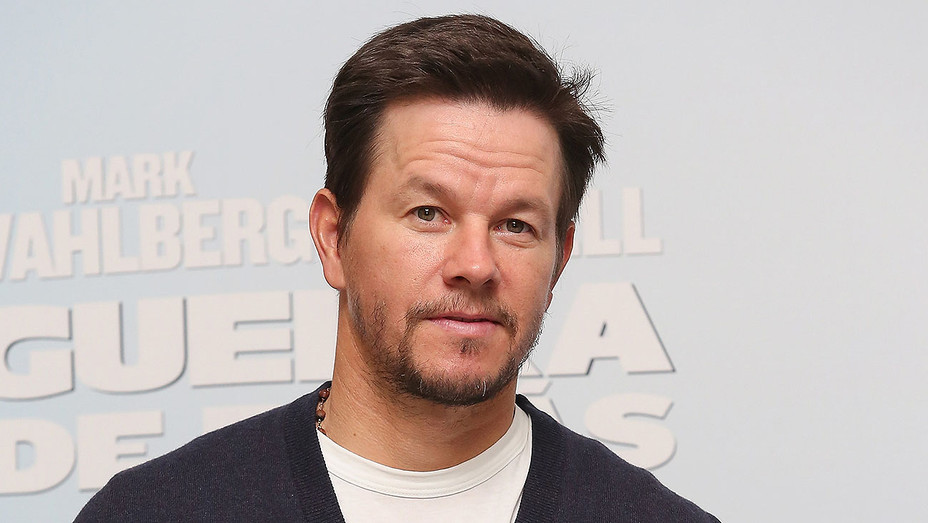 Mark_Wahlberg_Daddys_Home_Premiere_Getty_H_2016