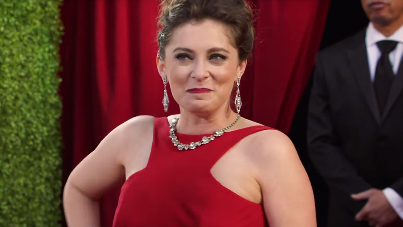 Rachel Bloom Red Carpet Screenshot H 2016