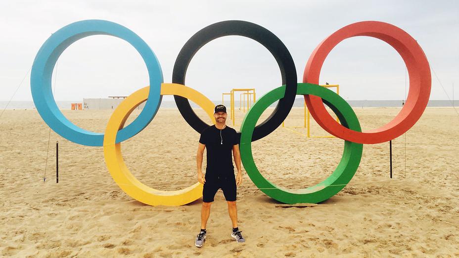 Ryan Seacrest Olympic Rings H 2016
