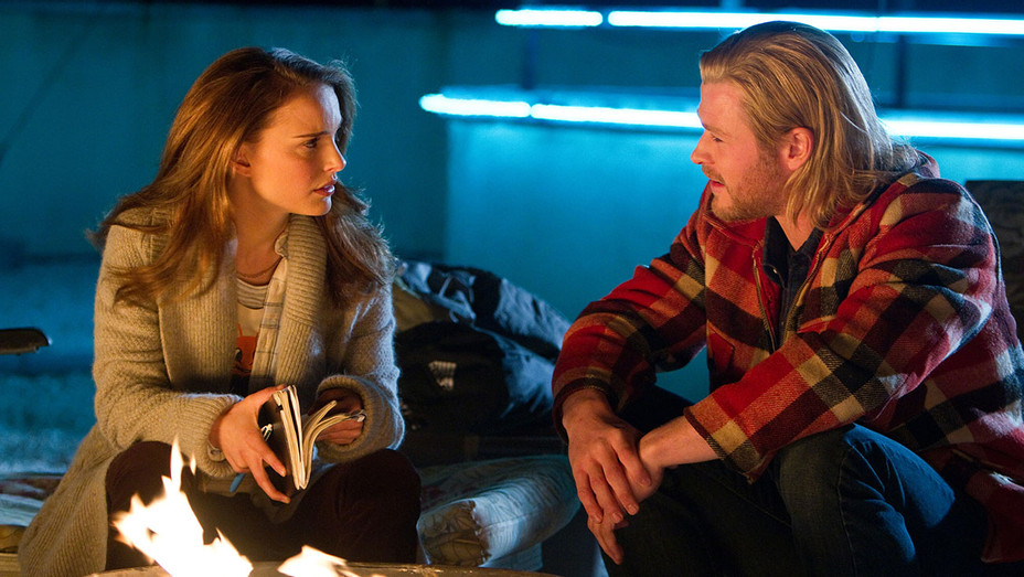 Thor_Natalie Portman and Chris Hemsworth_Still - Photofest - H 2016