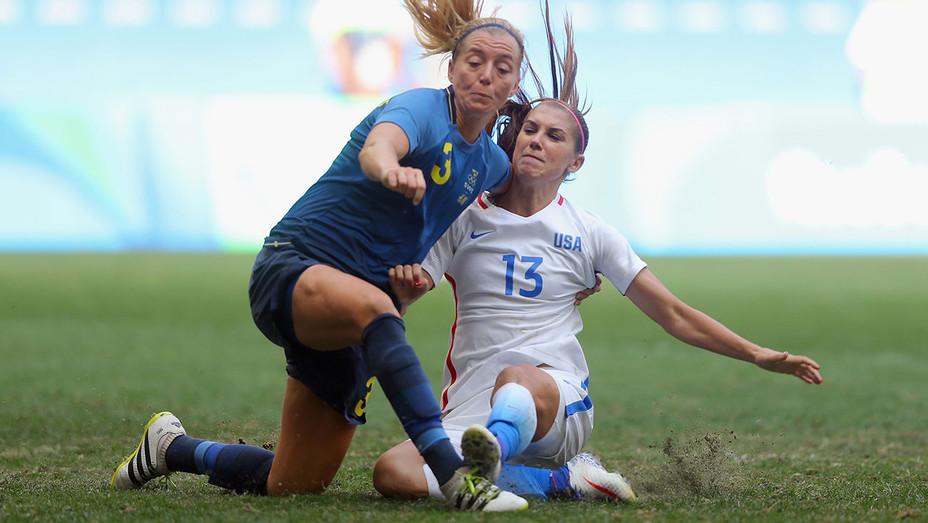 USA v Sweden Womens Soccer Alex Morgan H 2016