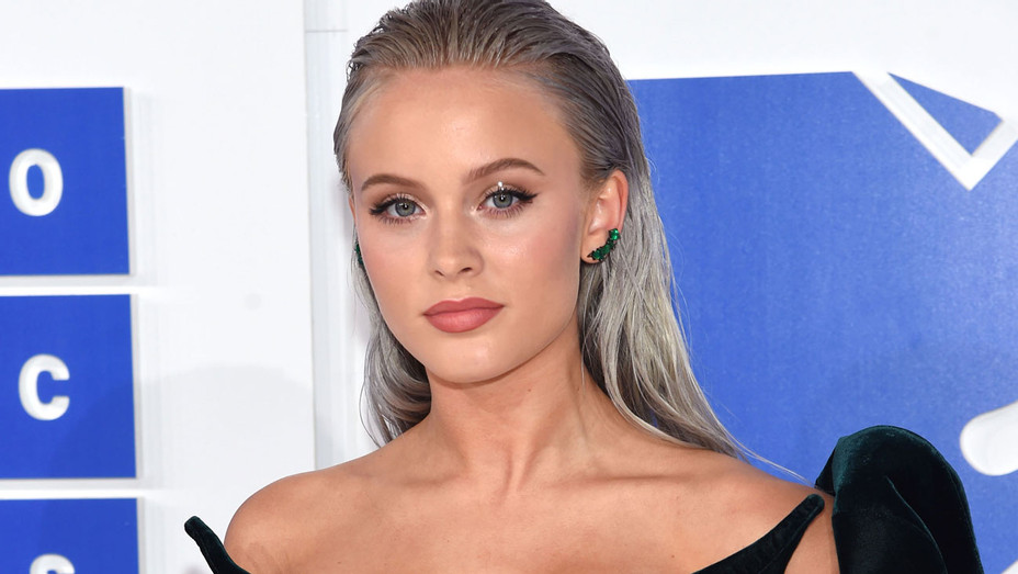 Zara Larsson VMAs - Getty - H 2016