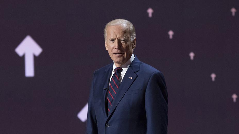Joe Biden Stand Up to Cancer - H Getty 2016