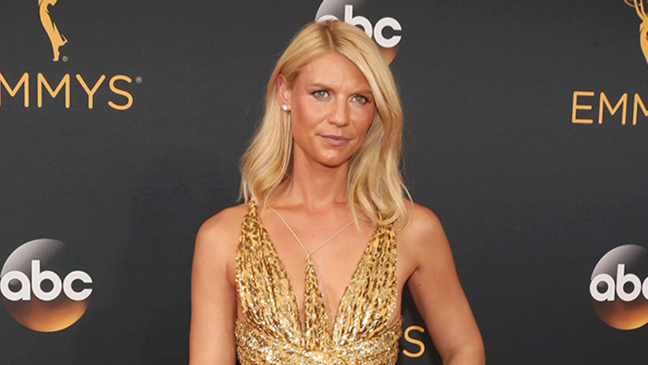Claire Danes - Emmmy - H - 2016